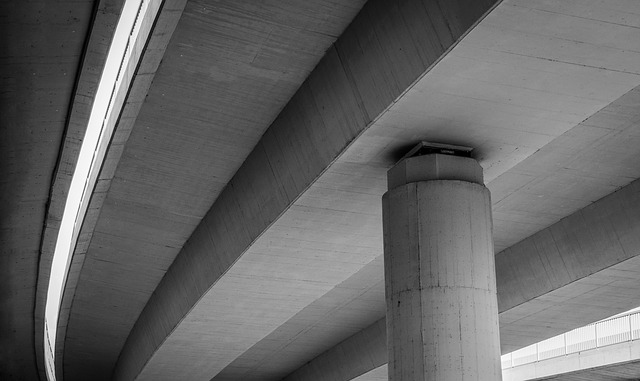 The history of the U.S. highway system began with the Federal Aid Road Act of 1916 and underwent many setbacks, but many accomplishments also emerged.